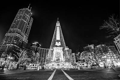 Downtown Indy Circle Of Lights - Monument Circle - Black And White - Indianapolis Art Print by Gregory Ballos