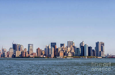 Photograph - Downtown Manhattan by Patricia Hofmeester