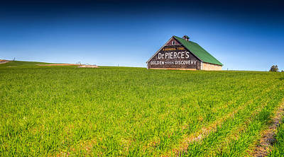 Photograph - Dr. Pierce's Barn by Spencer McDonald