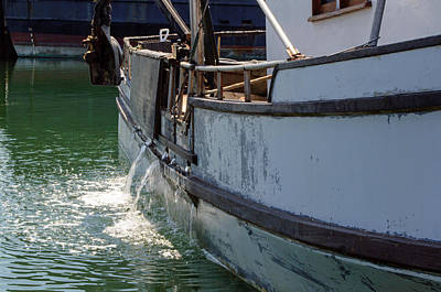 Photograph - Draining The Hull by Tikvah's Hope
