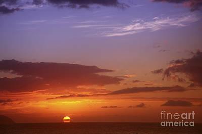 Dramatic Oahu Sunset Art Print by Vince Cavataio - Printscapes