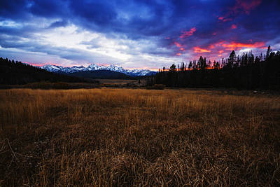 Sawtooth Mountain Art Photograph - Dramatic Sunset Over Sawtooth Mountain Range Stanley Idaho by Vishwanath Bhat