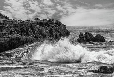 Photograph - Dramatic Waves 2 by Robert Hebert