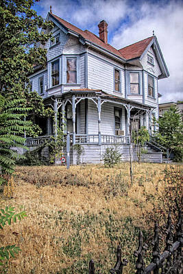 Victorian Town Digital Art - Dr. Cross House by Terry Davis