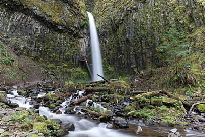 Dry Creek Photograph - Dry Creek Falls by Jeff Swan