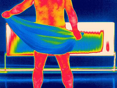Towels Drying Photograph - Drying Off, Thermogram by Tony Mcconnell