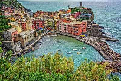 Photograph - Vernazza Harbor Italydsc02659  by Greg Kluempers