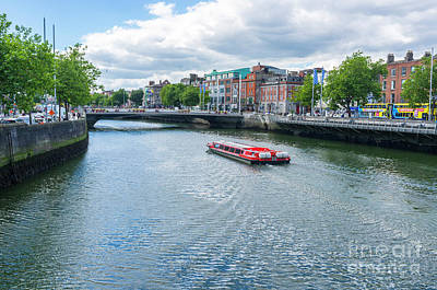 Photograph - Dublin Tour Boat by Jim Orr