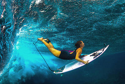 Outdoor Still Life Digital Art - Duck Dive In  Hawaii  by Don Kuing