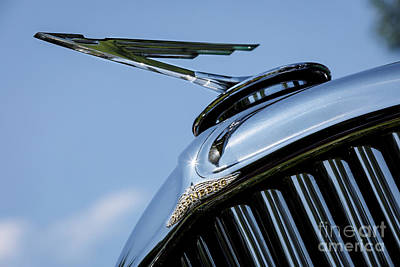 Photograph - Duesenberg Hood Ornament by Dennis Hedberg