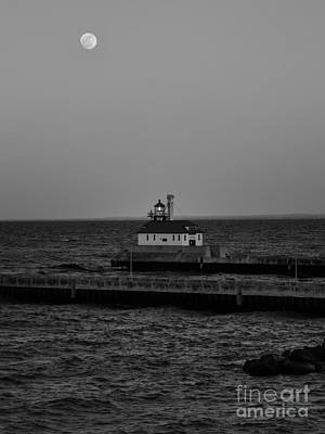 Photograph - Duluth South Breakwater Outer Light by Jimmy Ostgard