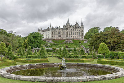 Photograph - Dunrobin Castle 1325 by Teresa Wilson