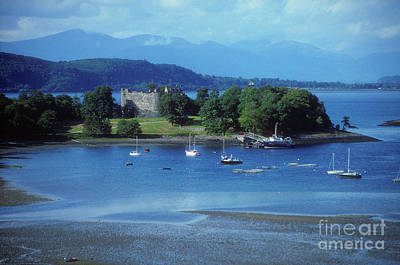 Photograph - Dunstaffnage Castle - Argyll by Phil Banks