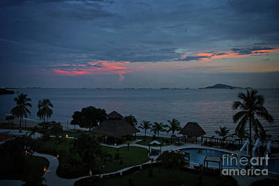 Photograph - Dusk At Panama Bay by Bob Hislop