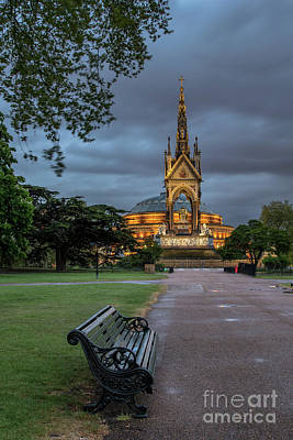 Photograph - Dusk At The Albert Memorial by Howard Ferrier