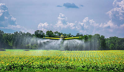 Photograph - Dusting The Crop by Bill Pevlor