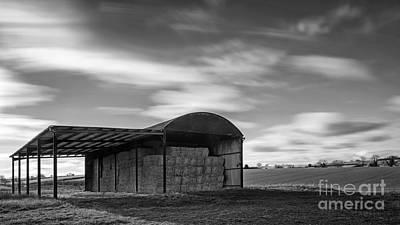 Contre-jour Photograph - Dutch Barn by Richard Thomas