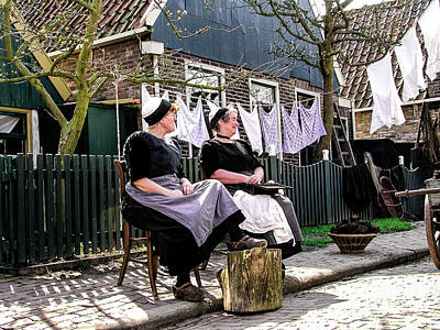 Photograph - Dutch Washing Day by Rick Bragan