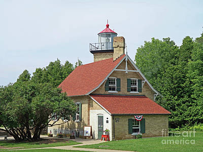 Photograph - Eagle Bluff Lighthouse by Ann Horn