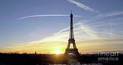 Bastille Day Celebration Photograph - Early Morning At Eiffel Tower by Photographer Eyes