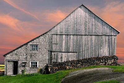 Photograph - East Coast Old Barn At Sunset by Pierre Leclerc Photography