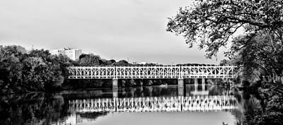 Phillies Digital Art - East Falls Bridge In Black And White by Bill Cannon