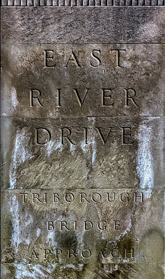 Photograph - East River Drive Sign Nyc by Robert Ullmann