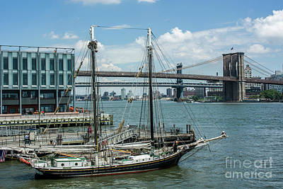 Photograph - East River  by Reynaldo Brigantty