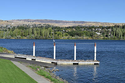 Photograph - East Wenatchee Bench by Tom Cochran