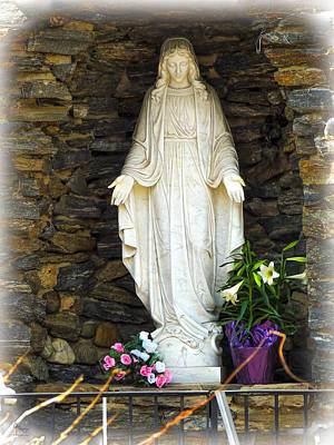 Photograph - Easter Angel - The Madonna by Glenn Feron