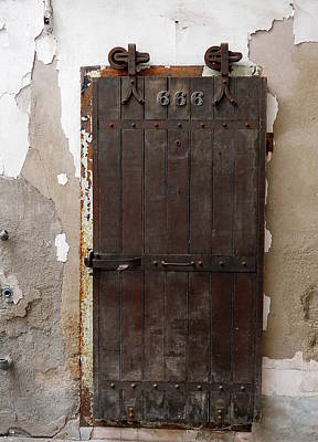Photograph - Eastern State Penitentiary - Devil's Door by Richard Reeve