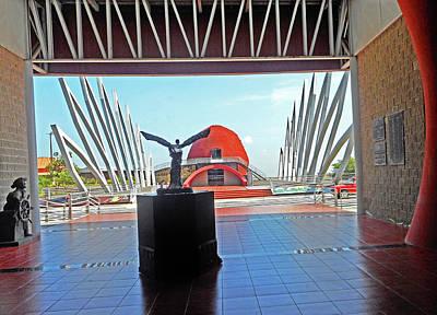 Photograph - Ecuadorian Museum 3 by Ron Kandt