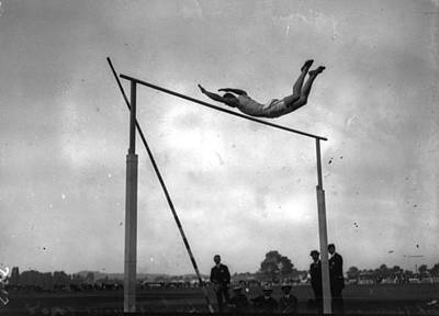 Ed Cook In The Pole Vault Art Print