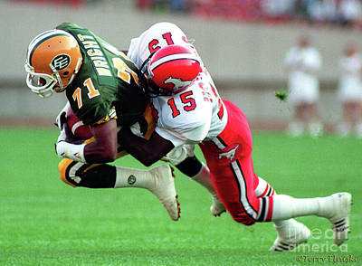 Photograph - Edmonton Eskimos Football - Keith Wright - 1990 by Terry Elniski