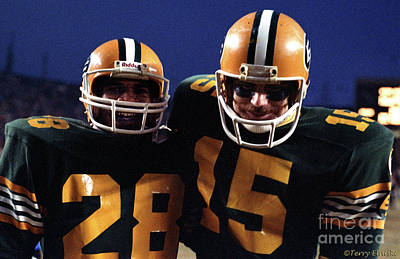 Photograph - Edmonton Eskimos Football - Stu Lang And Gary Hayes 1981 by Terry Elniski