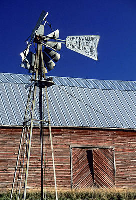 Photograph - Eid Road Windmill by Doug Davidson