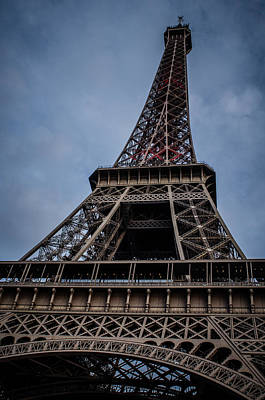Photograph - Eiffel Tour Visit by Miguel Winterpacht