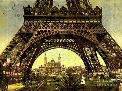 Photograph - Eiffel Tower 1900 by Audreen Gieger