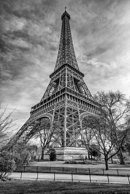 Photograph - Eiffel Tower by James Billings