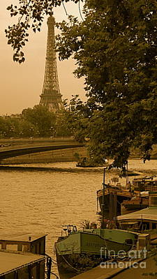 Photograph - Eiffel Tower by Louise Fahy
