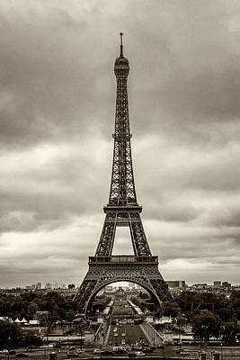 Photograph - Eiffel Tower Paris France Img_8614 by Greg Kluempers