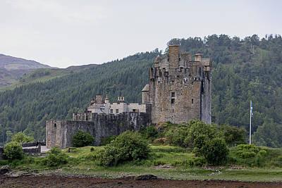 Photograph - Eilean Donan Castle 0552 by Teresa Wilson