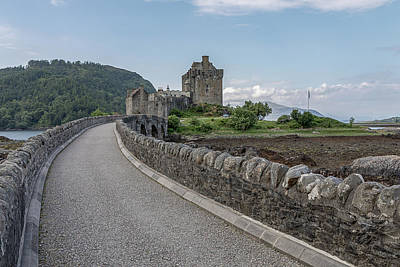 Photograph - Eilean Donan Castle 0559 by Teresa Wilson