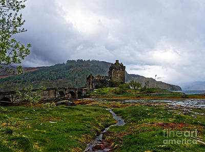 Photograph - Eilean Donan Castle by Paul Mashburn