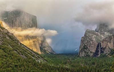 Photograph - El Capitan Halo by Jonathan Nguyen