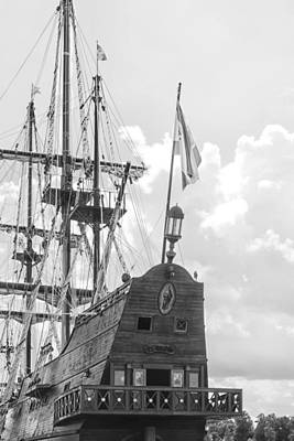 Photograph - El Galeon by Bob Decker