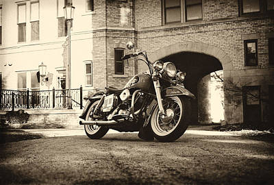 Old House Photograph - Electra Glide by  Nick Solovey
