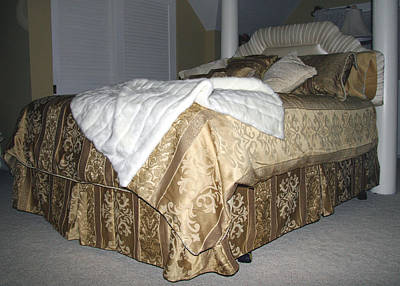 Bed Spread Photograph - Elegance by Amelia Painter