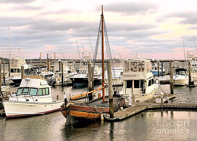 Photograph - Elizabeth Tilley At Berth by Janice Drew