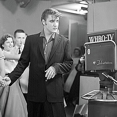 Photograph - Elvis On Tv by Chuck Staley